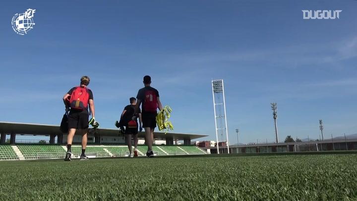 Árbitros treinam para o retorno do Campeonato Espanhol