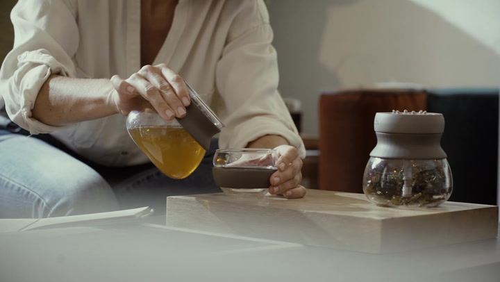 Preview image of Lekue Calm Tea Glass Infuser video
