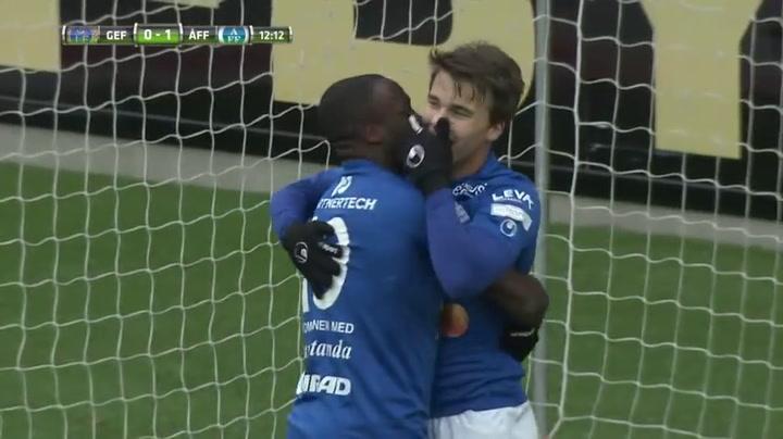 Fin scoort met 'scorpion kick' in Zweedse derby