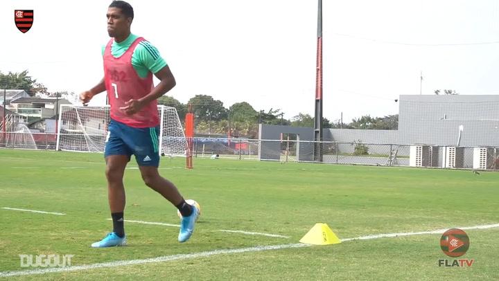 Flamengo practise finishing in training