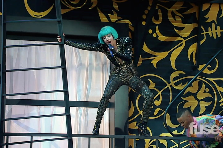 "Shows: MMVAs 2011:  - Lady Gaga Performance Excerpt ""Edge of Glory"""