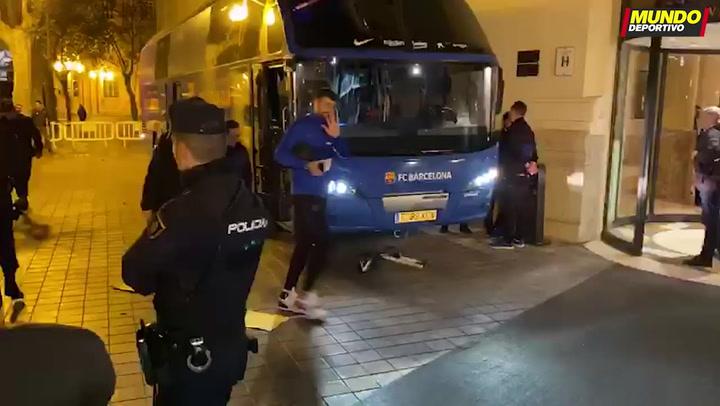 El Barça llega a su hotel en Valencia