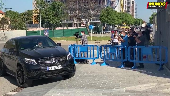 Empiezan los test a los futbolistas del Barça en la Ciutat Esportiva