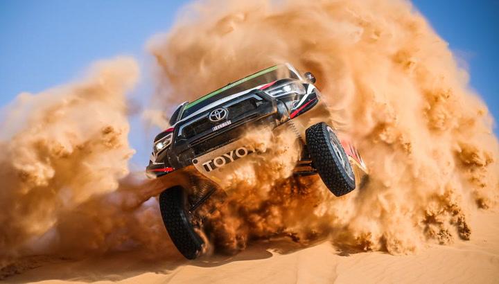 Peterhansel cede el triunfo en coches a Al Rajhi en la etapa maratón del Dakar