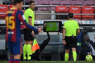 Sigue la polémica del Clásico: El asistente le avisó a Martínez Munuera que no era penal