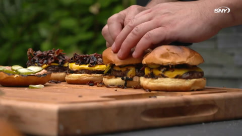 Mets Home Field Cooking, presented by Coca-Cola: The Bash Burger