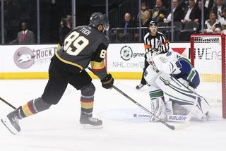 Golden Edge: Fleury exits game early, Knights beat Canucks