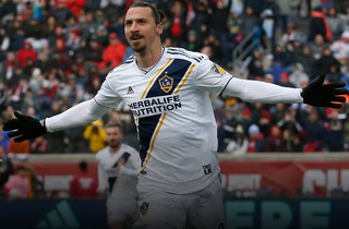 Zlatan Ibrahimovic continuará en Los Angeles Galaxy