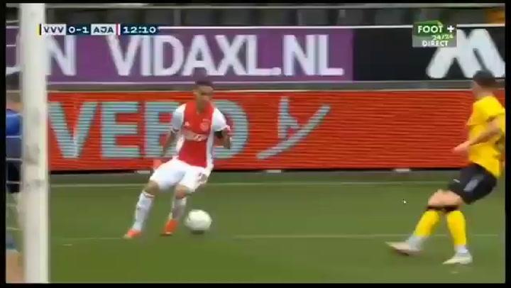 El Ajax le mete 13 goles al Venlo a domicilio