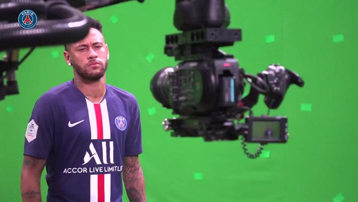 El PSG presume de nuevo de Neymar en el rodaje oficial