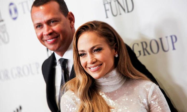 Alex Rodríguez comparte sus momentos más románticos con Jennifer Lopez en el aniversario de su compromiso