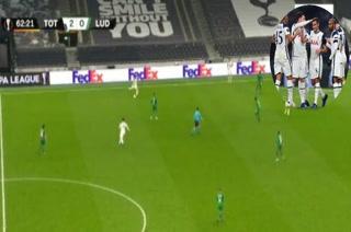 ¡De Puskas! El espectacular golazo desde media cancha de Harry Winks con el Tottenham Hotspur