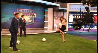 Lucía Villalón sorprende a Carlos Pavón y Zamorano en programa de Univision