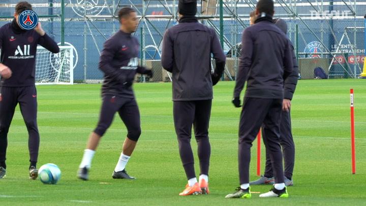 Mauro Icardi In Paris Saint-Germain Training
