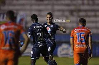 ¡Gonzalo Klusener le da el triunfo a Motagua en el último minuto contra Upnfm!