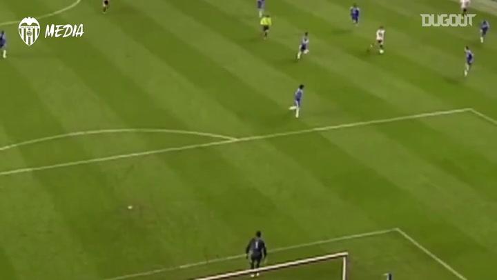 Golaço de David Silva pelo Valencia contra o Chelsea