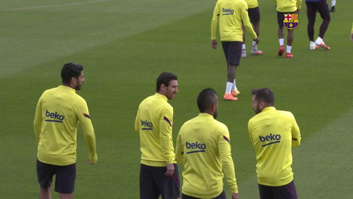Messi vuelve a entrenarse con el grupo