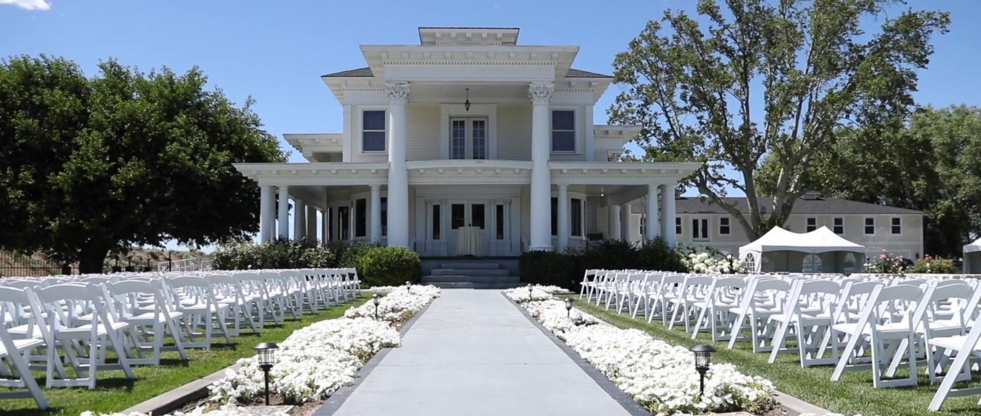 Kirsti  + Gavin | Pasco, Washington | Moore Mansion