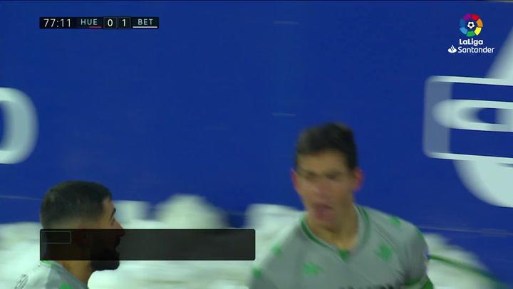 Gol de Mandi (0-1) en el Huesca 0-2 Betis