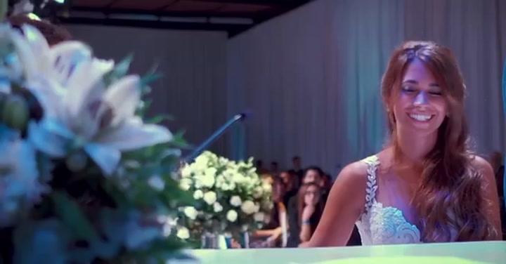 Antonela felicita a Messi por su tercer aniversario de boda