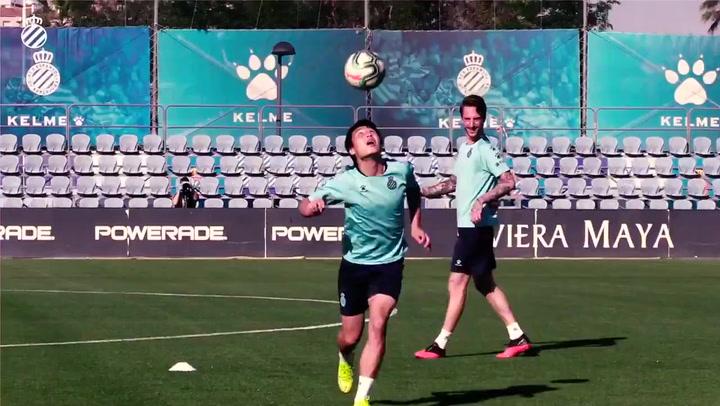 Wu Lei, Melendo y Calero muestran su habilidad con la cabeza