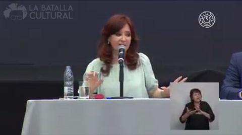 Cristina va por un frente social y cívico que no sea de derecha ni de izquierda