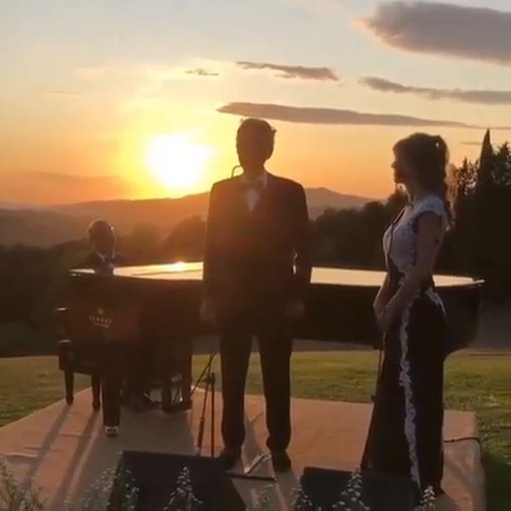 Andrea Bocelli cantó durante la boda secreta entre Carla Pereyra y el Cholo Simeone