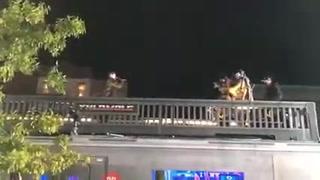 Bad Bunny realiza concierto sobre un bus en la ciudad de Nueva York