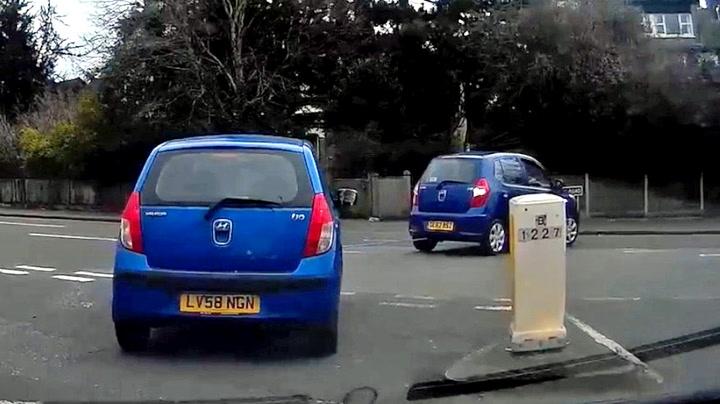 Biltauer med kjempeblemme da han skulle krysse veien