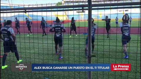 Alex López busca ganarse un puesto en el 11 titular en la Selección de Honduras