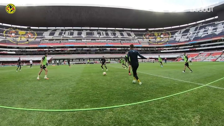 Club América prepare for the Mexican Clásico at the Estadio Azteca