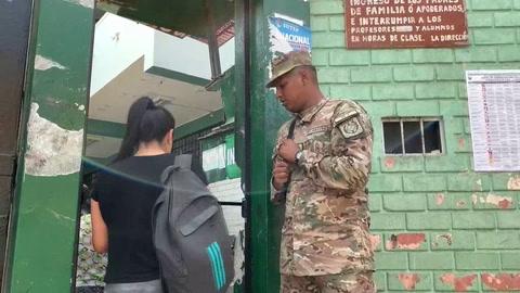 Mucha tranquilidad, mucho orden y mucho retraso en las elecciones peruanas