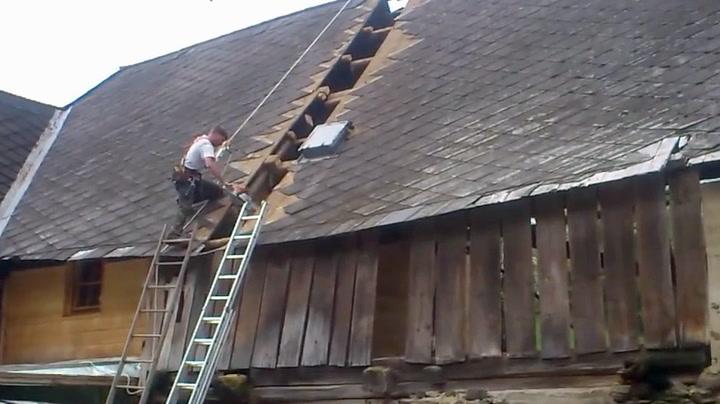 Ingen rom for feil da halve huset skulle rives