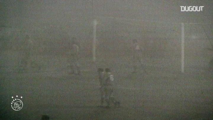 La victoria del Ajax por 5-1 al Liverpool en 'el partido de la niebla'