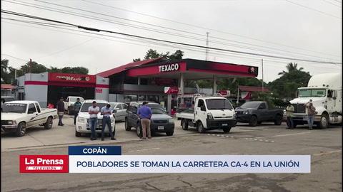 Pobladores se toman la carretera internacional CA-4 en La Unión, Copán