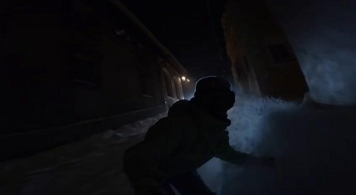 Entrenamiento nocturno de Queralt Castellet por las calles de St.Moritz tras una nevada brutal