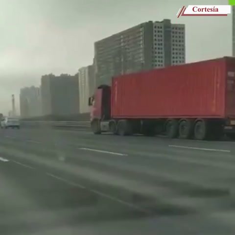 Conductor muere al volante de su camión y el vehículo sigue circulando en Alemania