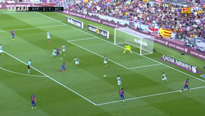 Hat-Trick Heroes: Luis Suárez Vs Real Betis