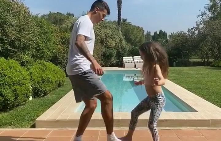 Cristian Tello participa del reto #NananaChallengeAtHome junto a su hija Carlota