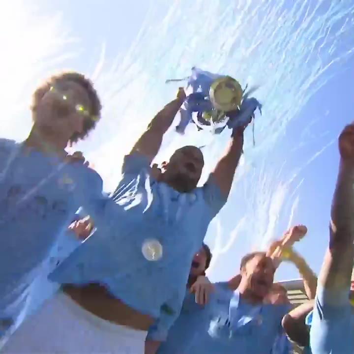 El City recoge el trofeo de la Premier League