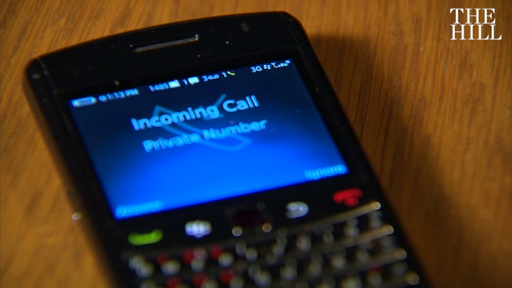 FCC votes to allow phone carriers to block robocalls by default