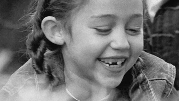 Un corte de pelo y un vídeo de la infancia: Los originales regalos de cumpleaños de Miley Cyrus