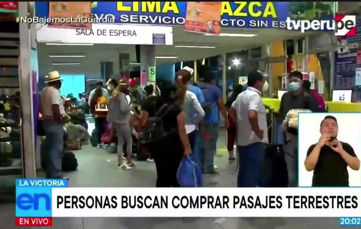 Buscan viajar fuera de Lima antes del inicio de la cuarentena
