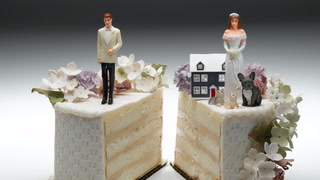 Who Gets the House in a Divorce? 4 Options for Splitting Things Up