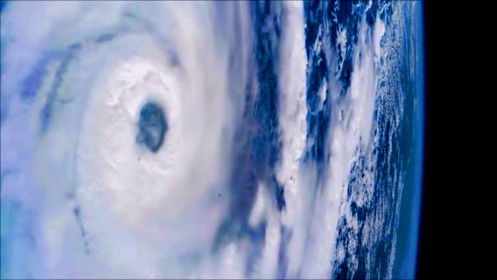 Den dødelige orkanen ble filmet fra verdensrommet