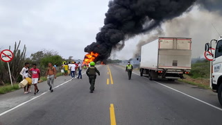 Video: Momento en que explota el camión cisterna que dejó a 7 personas fallecidas en Colombia