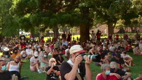 Miles de australianos denuncian el 'Día de la invasión colonial a pesar del coronavirus