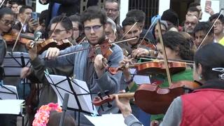 Orquesta estudiantil en Colombia homenajea a indígenas en medio de protestas
