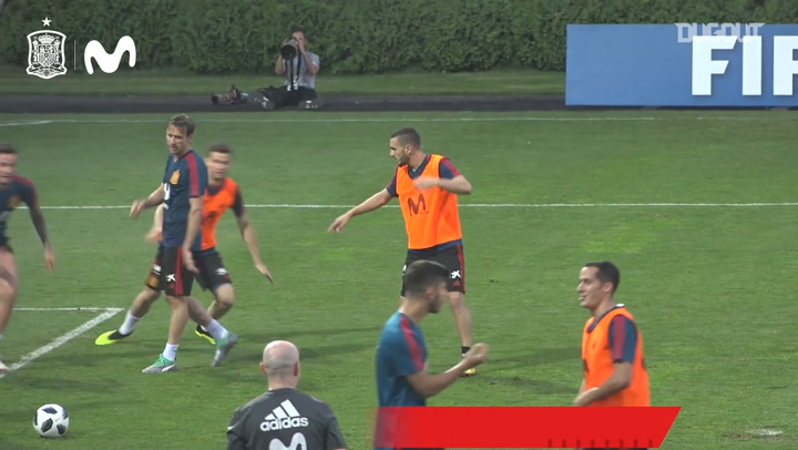 Koke's exhibition in training
