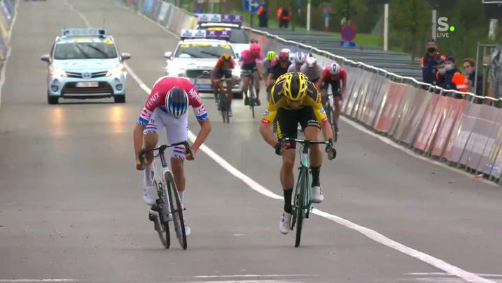 Van der Poel gana el Tour de Flandes tras un ajustadísimo mano a mano con Van Aert